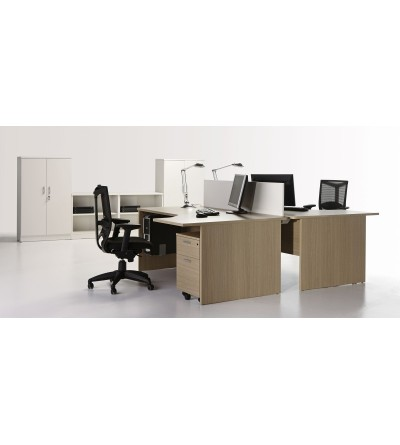Mesa de oficina con ala informática