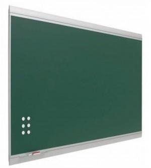 Pizarra verde enmarcada con perfil de diseño.