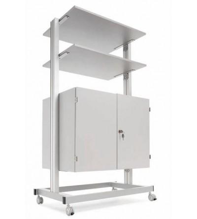 Armario con estantes